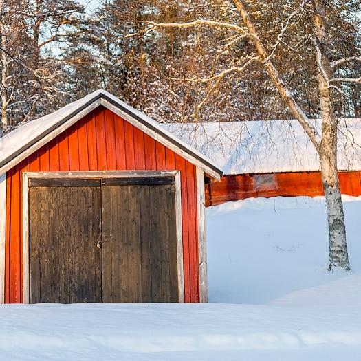 samma uthus bakom garaget